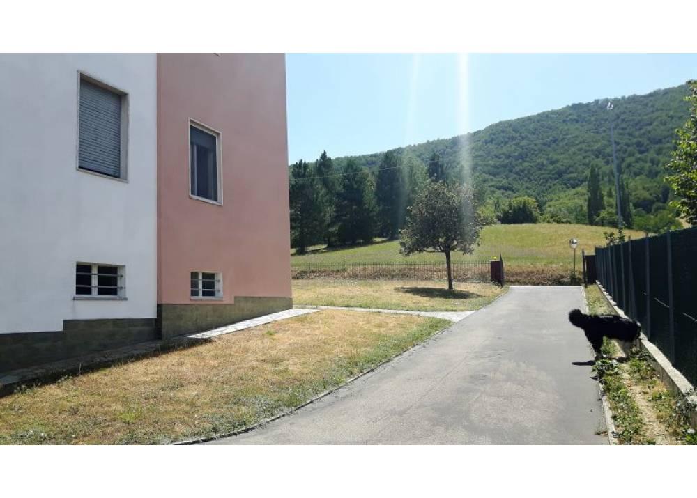 Vendita Casa Indipendente a Neviano degli Arduini Strada dell`Osteria  di 132 mq
