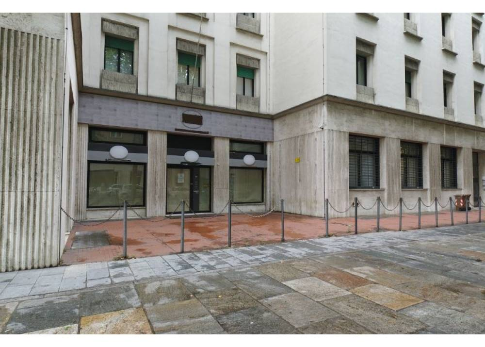 Vendita Locale Commerciale a Parma monolocale Centro - Stazione di 393 mq