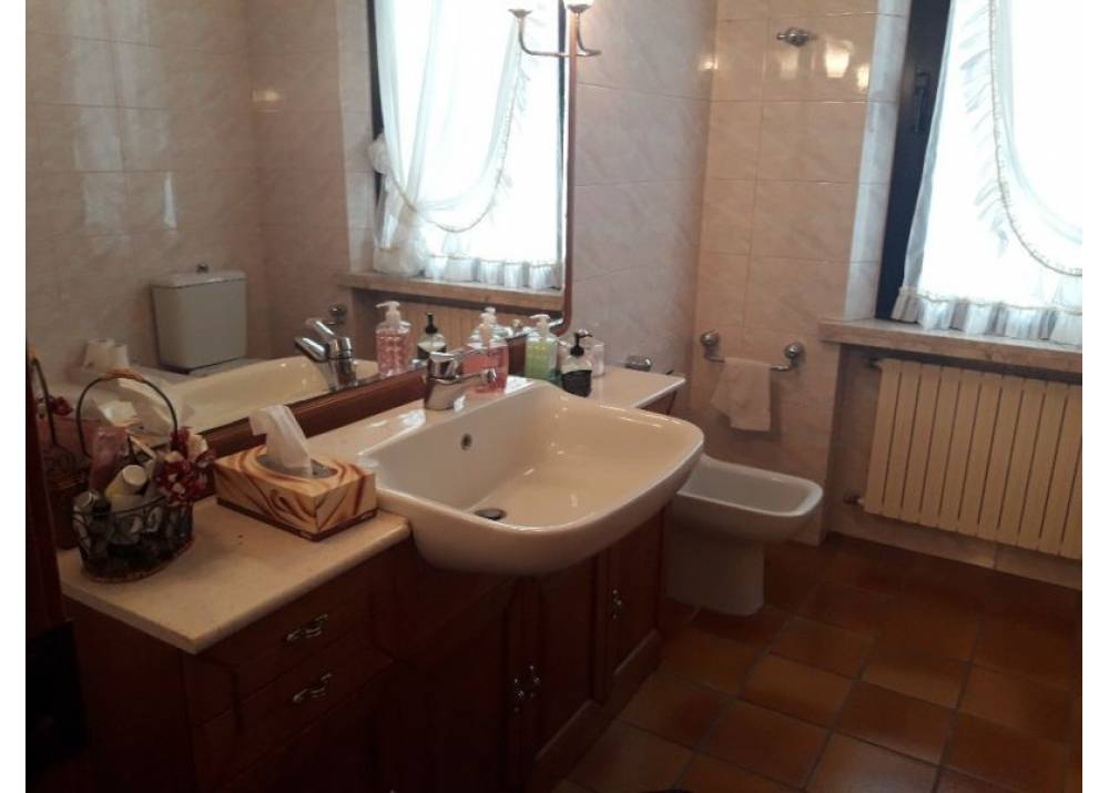 Affitto Appartamento a Parma quadrilocale Q.re San Leonardo di 170 mq