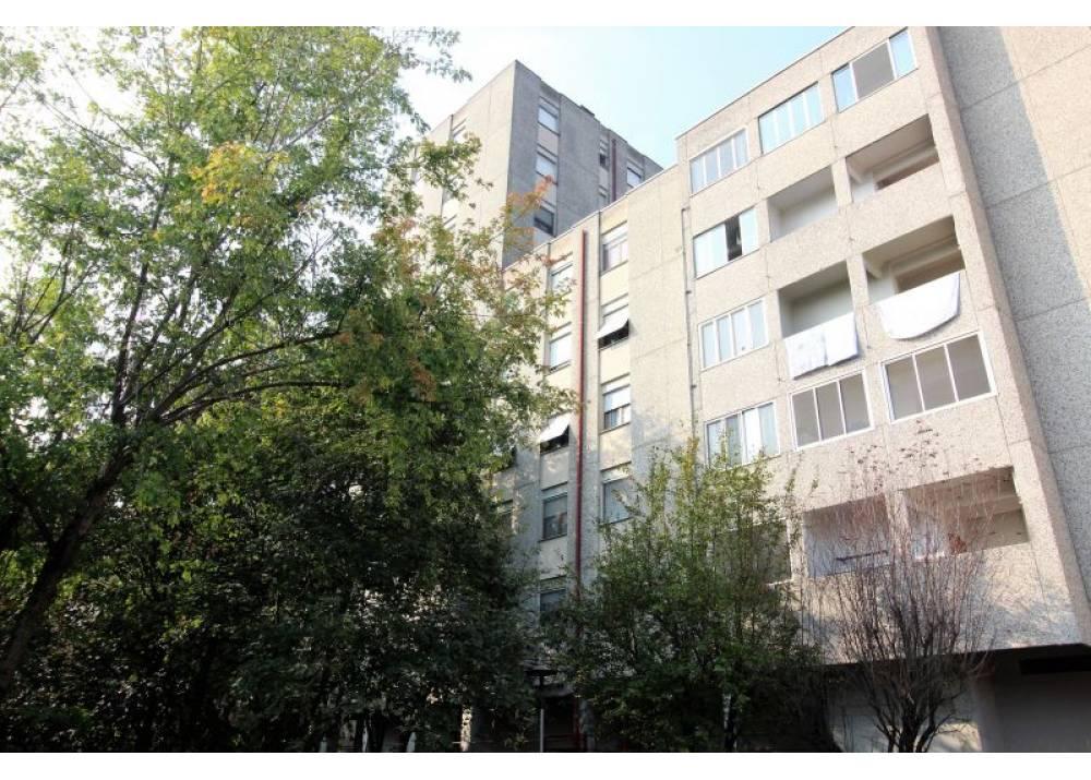Vendita Appartamento a Parma quadrilocale Centro Torri di 110 mq