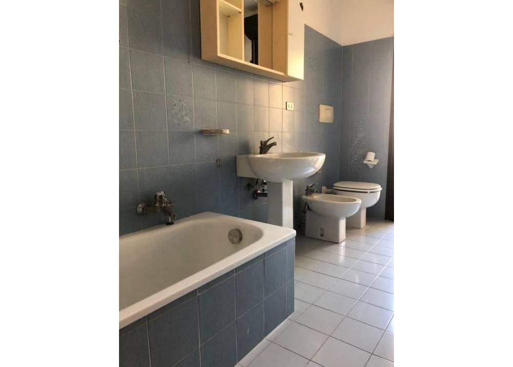 Vendita Appartamento a Parma quadrilocale Int. Via Sidoli di 120 mq