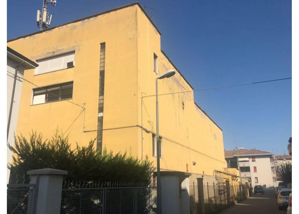 Vendita  a Parma monolocale san leonardo/Parma Centro di 1380 mq