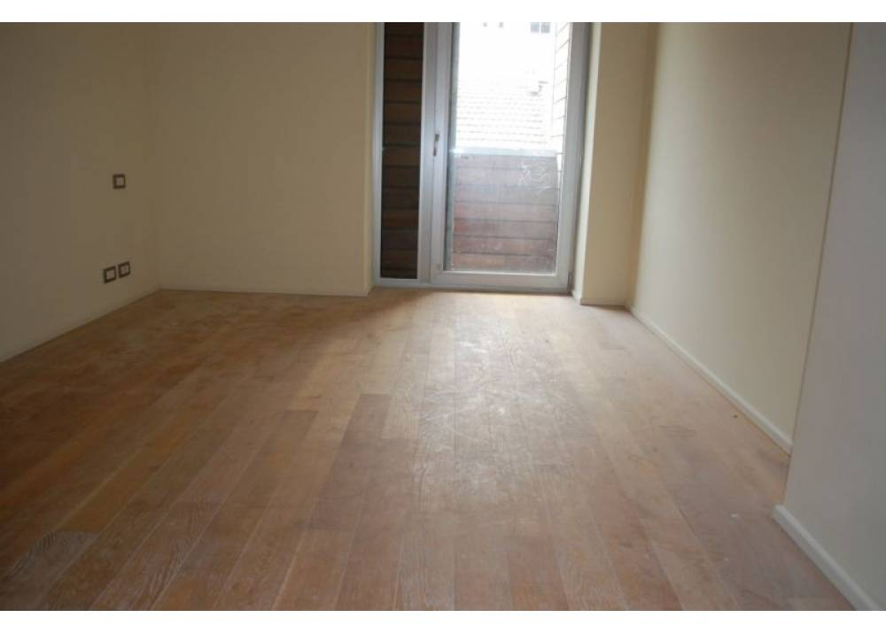 Vendita Appartamento a Parma Via Stradello Marca-Relli Conrad Q.re Pasubio di 123 mq