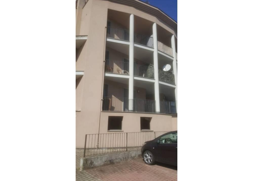 Vendita Locale Commerciale a Parma monolocale Crocetta di 90 mq