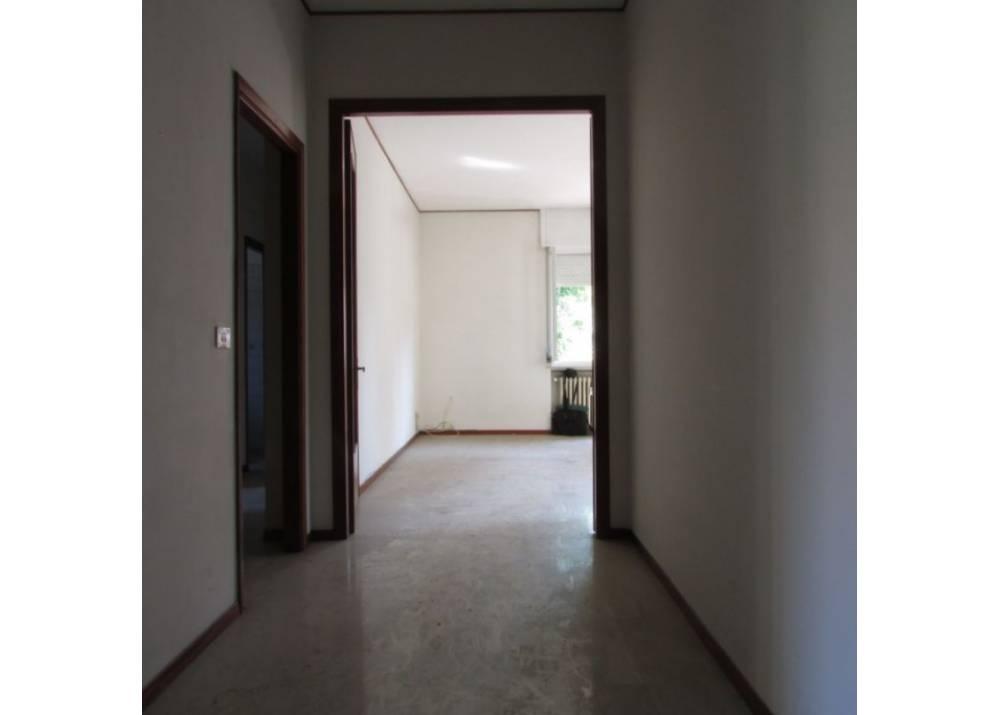 Vendita Appartamento a Parma trilocale Q.re Montebello di 110 mq