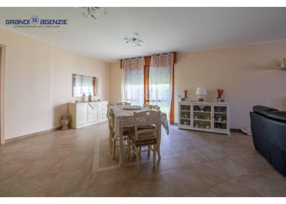 Vendita Villa a Parma  Paradigna di 165 mq