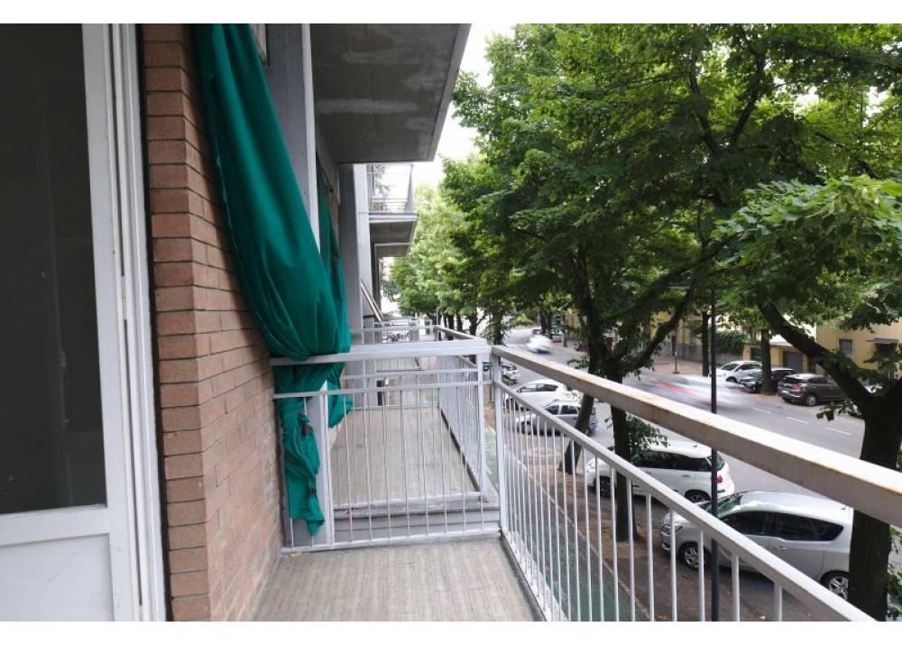 Vendita Appartamento a Parma trilocale Vicinanze centro di 90 mq