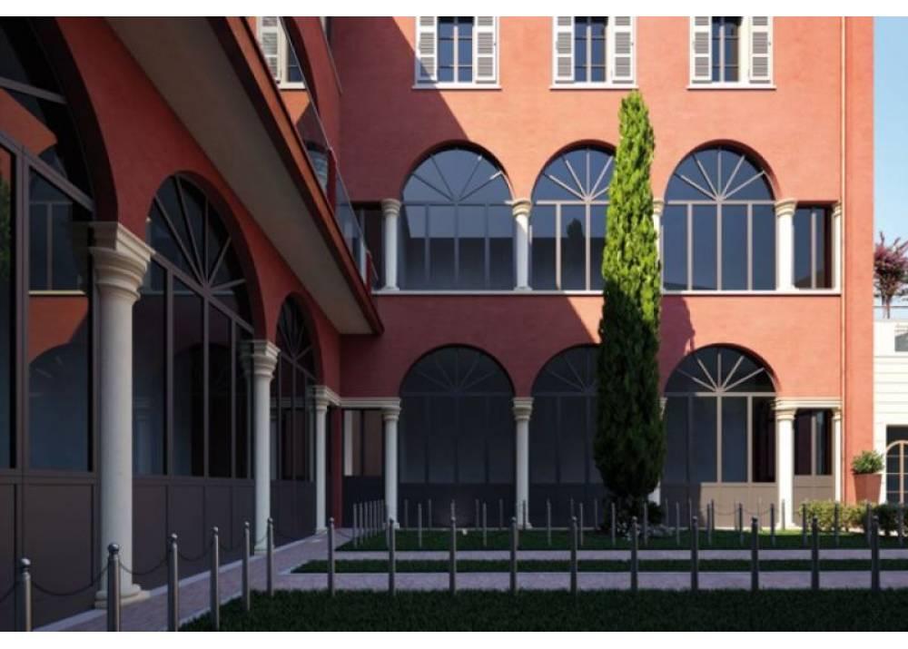 Vendita Appartamento a Parma  Centro Storico di 255 mq