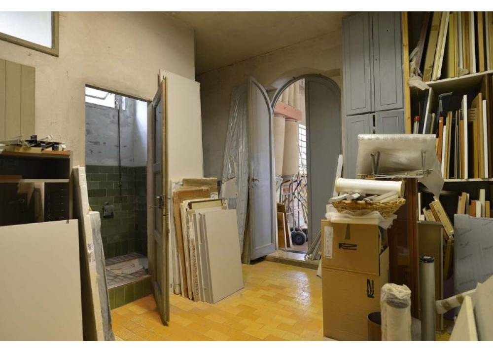 Vendita Appartamento a Parma Strada Langhirano corcagnano di 690 mq