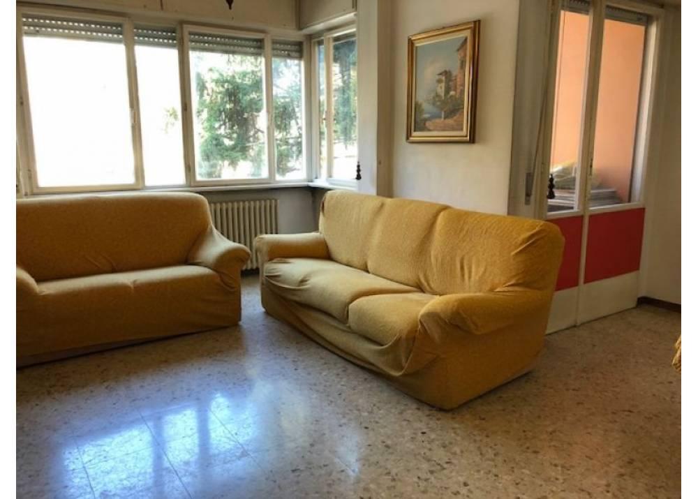 Vendita Appartamento a Parma quadrilocale Montebello di 125 mq