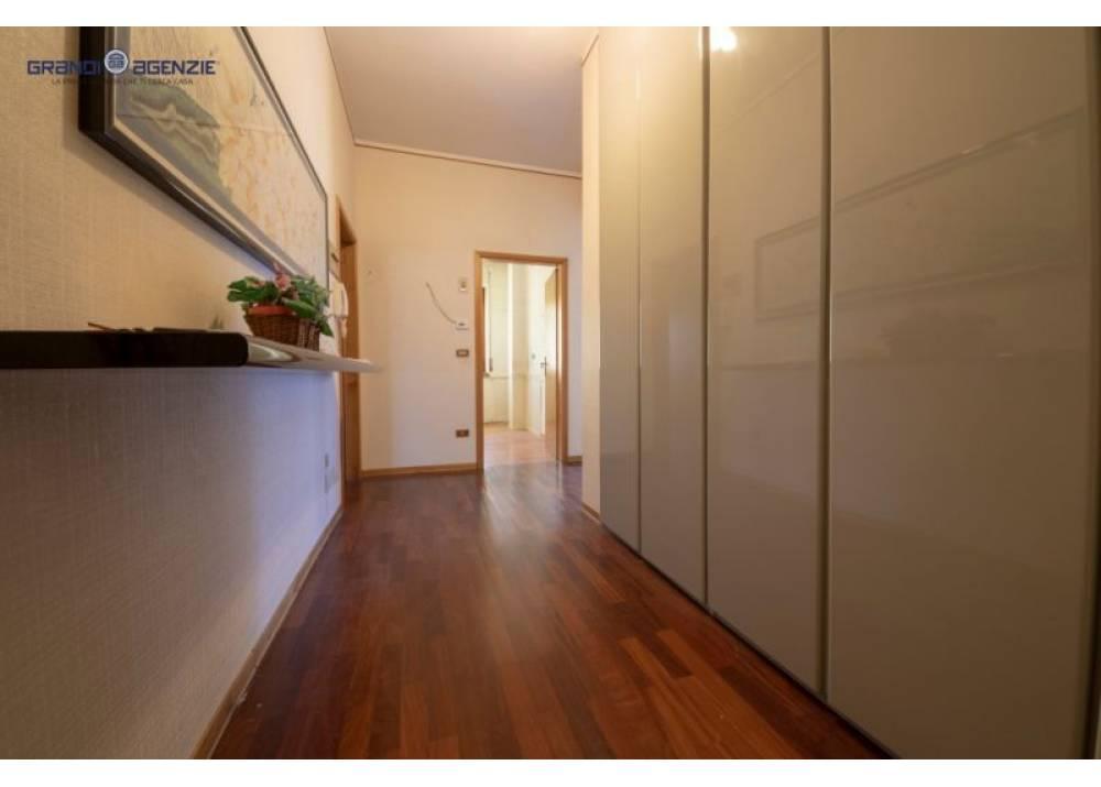 Vendita Appartamento a Parma trilocale Int. Via Zarotto di 111 mq