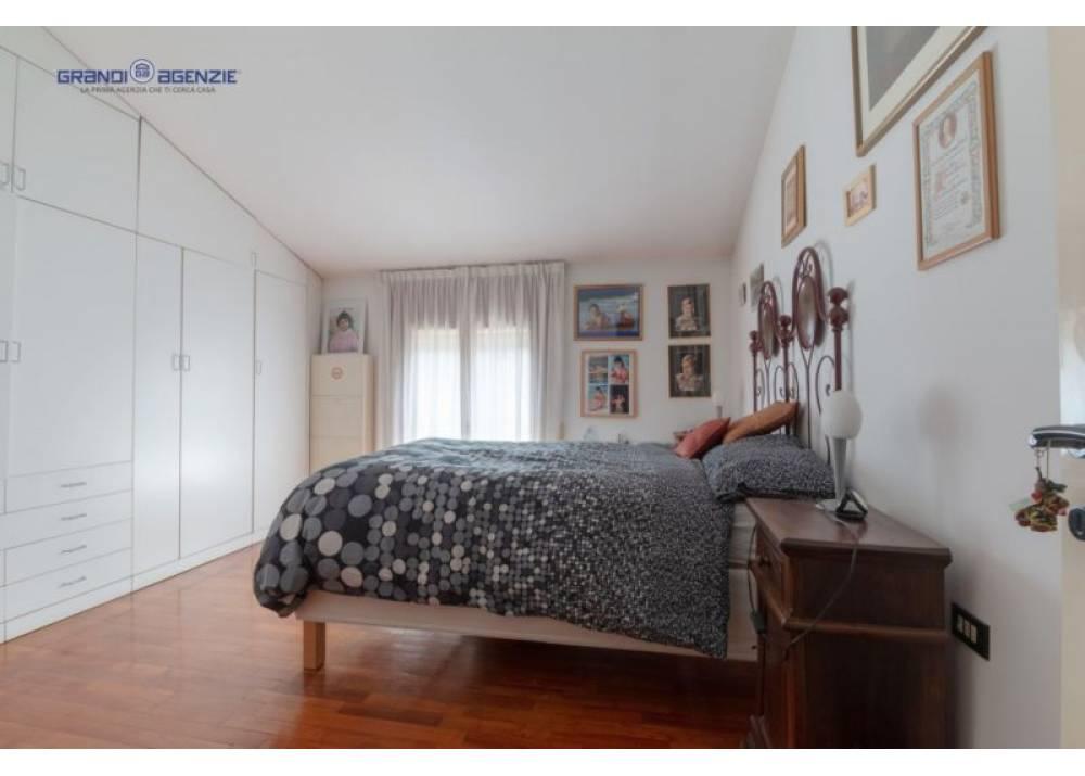Vendita Villa a Parma  Int. Via Sidoli di 410 mq