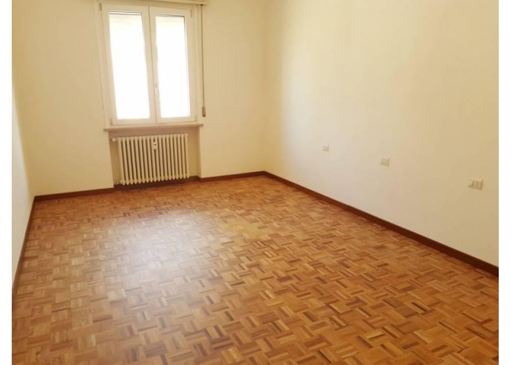 Vendita Appartamento a Parma trilocale Centro Storico di 118 mq