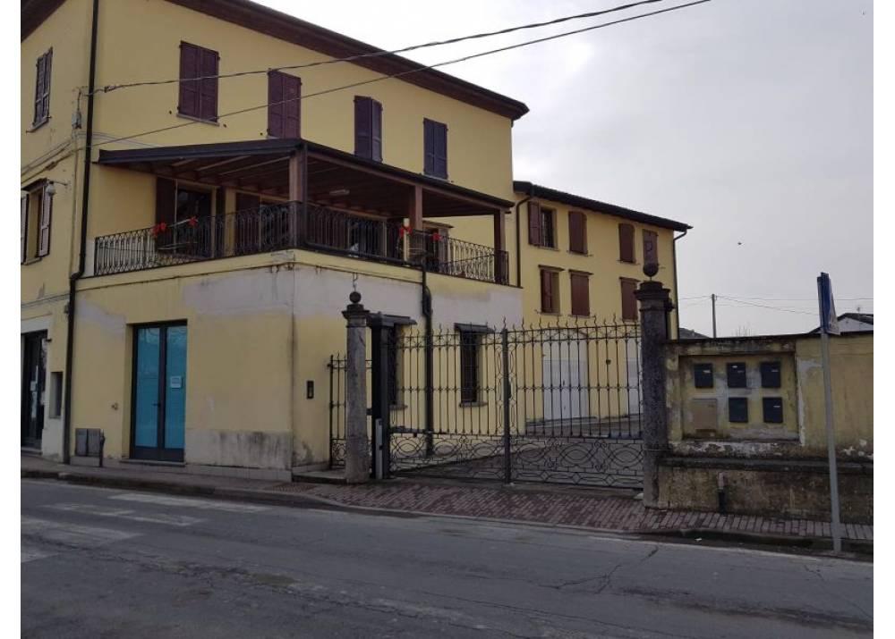 Vendita Appartamento a Sissa trilocale  di 75 mq