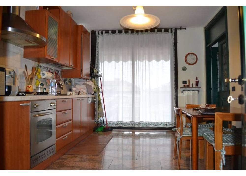 Vendita Appartamento a Parma  PratiBocchi di 211 mq