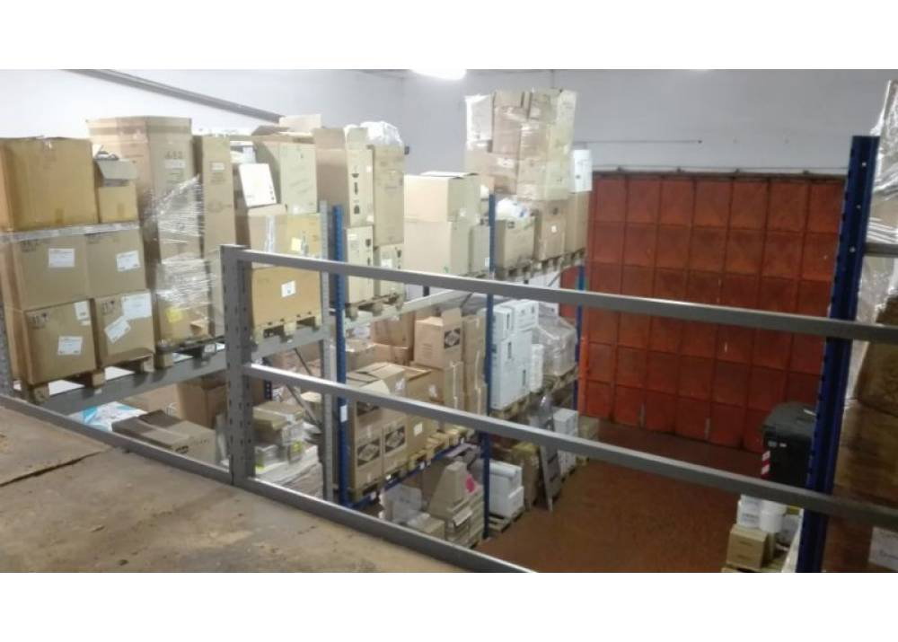 Vendita Locale Commerciale a Parma Via Bruno Estasi Ex Salamini di 260 mq