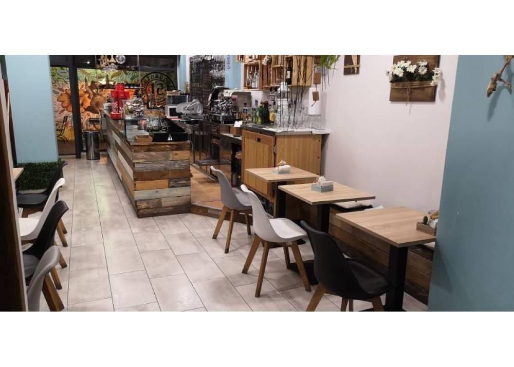 Vendita Locale Commerciale a Parma monolocale Centro Storico di 60 mq