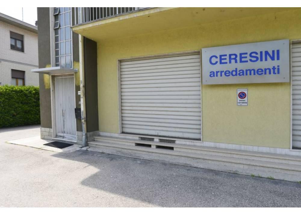 Vendita Locale Commerciale a Parma monolocale Corcagnano di 59 mq