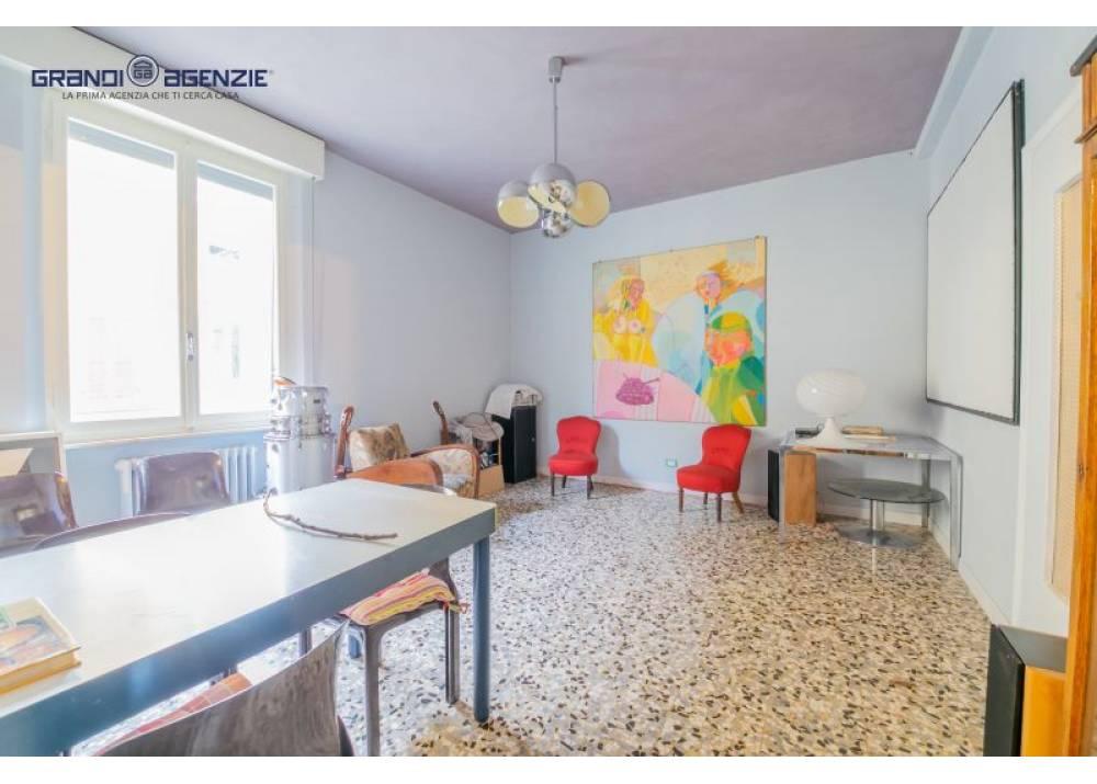 Vendita Appartamento a Parma quadrilocale Oltretorrente di 140 mq