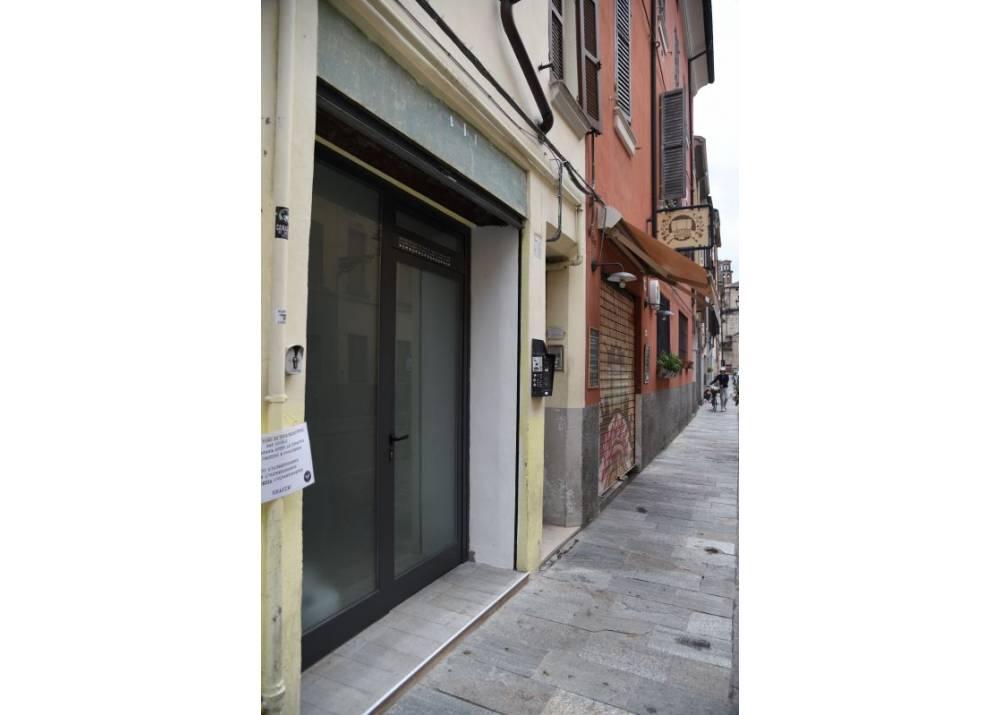 Affitto Locale Commerciale a Parma bilocale Oltretorrente di 30 mq