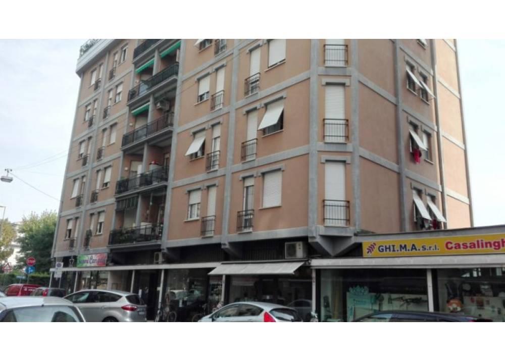 Affitto Locale Commerciale a Parma monolocale Lat. Via Venezia di 80 mq