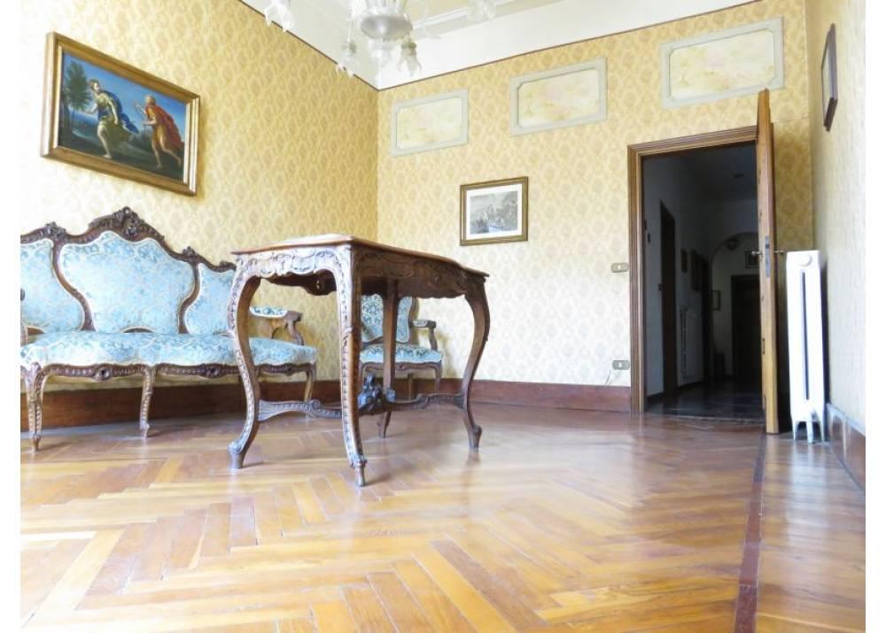 Vendita Appartamento a Parma Strada della Repubblica Centro Storico di 160 mq