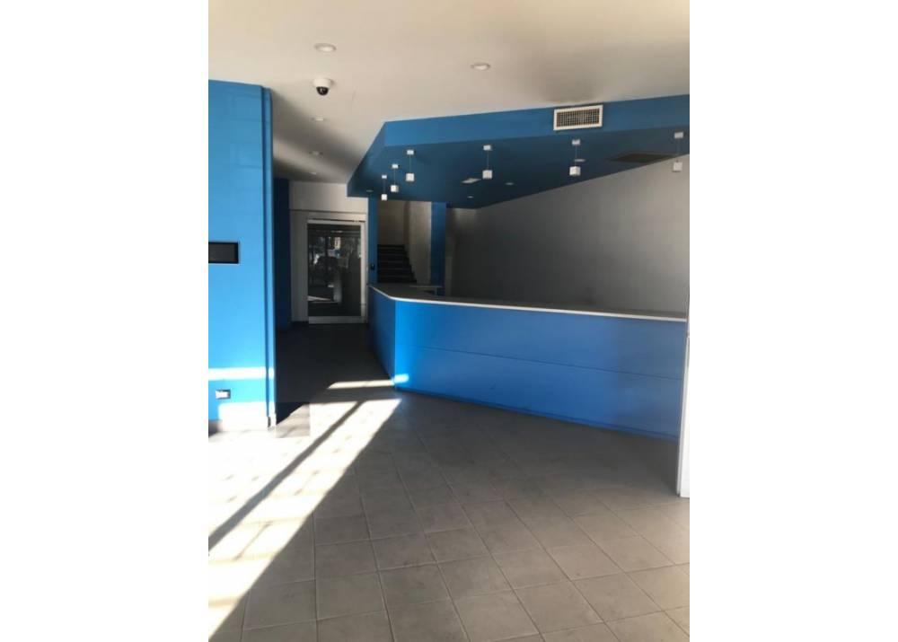 Affitto Locale Commerciale a Parma monolocale Ex Salamini di 450 mq