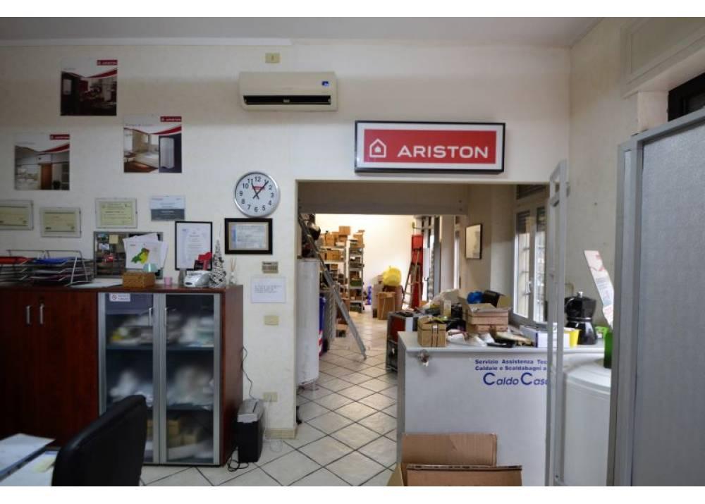 Vendita Locale Commerciale a Parma monolocale San Leonardo/Parma Centro di 68 mq