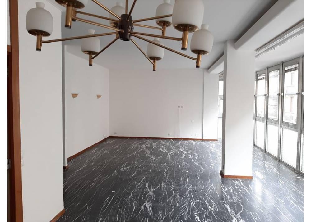 Affitto Appartamento a Parma quadrilocale Centro Storico di 170 mq