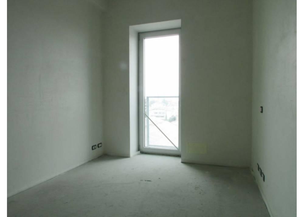Vendita Appartamento a Parma quadrilocale Q.re Pasubio di 221 mq