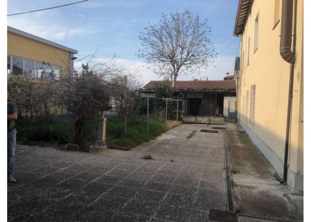 Vendita Villa a Parma   di 382 mq