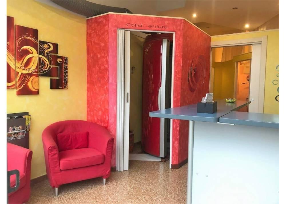 Affitto Negozio a Parma monolocale San Leonardo di 38 mq