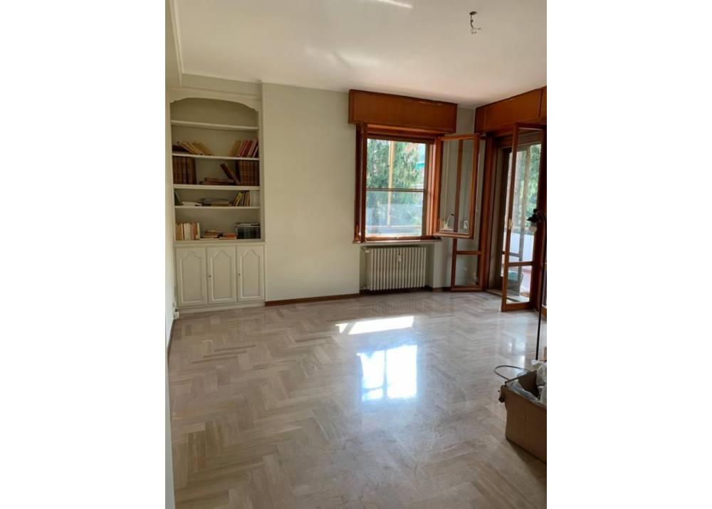 Affitto Appartamento a Parma quadrilocale Cittadella di 140 mq