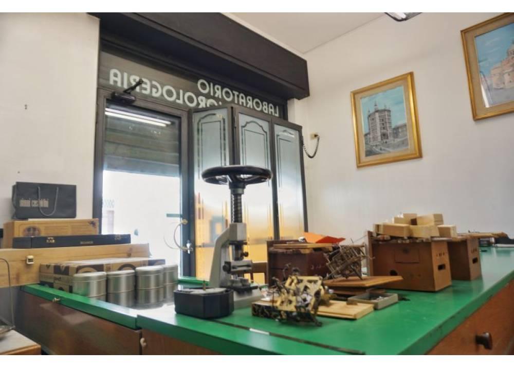 Vendita Locale Commerciale a Parma monolocale Parma centro di 30 mq