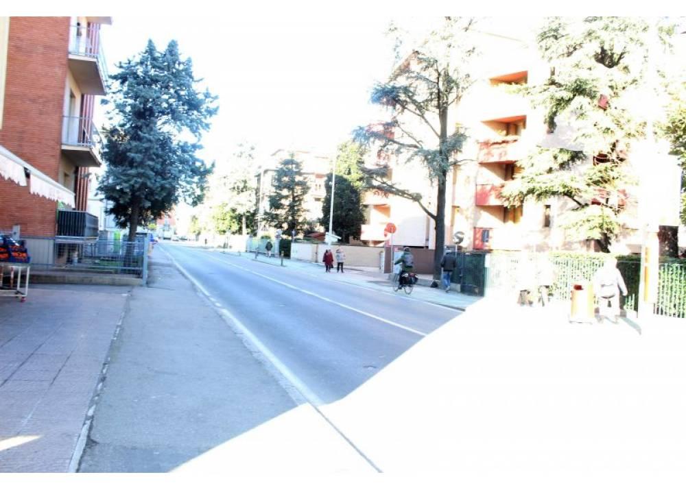 Vendita Negozio a Parma monolocale san leonardo di 60 mq