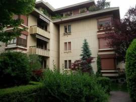 Vendita In bel contesto residenziale, vendiamo la nuda proprietà di questo trilocale con cantina e garage. Via Raschi