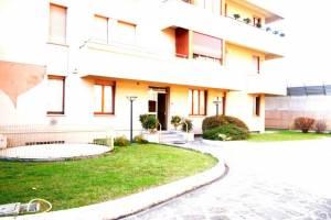 Affitto locale commerciale a Parma - Centro Storico