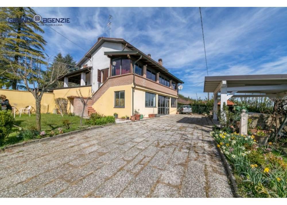 Vendita Villa a Felino   di 200 mq