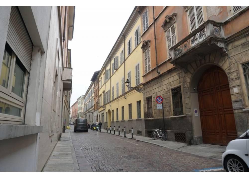 Vendita Locale Commerciale a Parma monolocale Centro storico di 91 mq