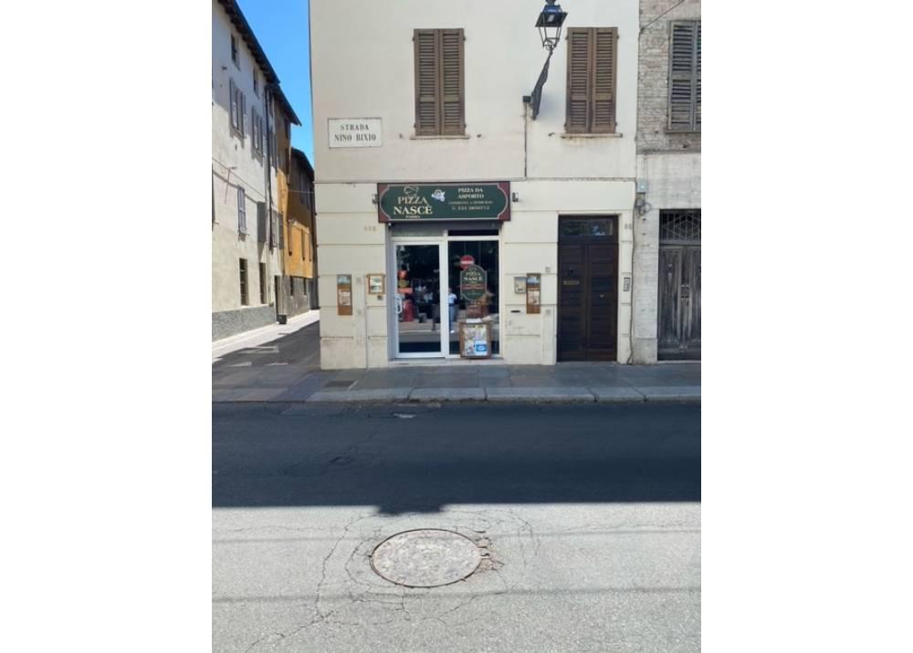Vendita Locale Commerciale a Parma monolocale Oltretorrente di 80 mq