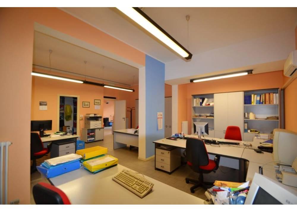 Vendita Ufficio a Parma monolocale San Leonardo di 130 mq