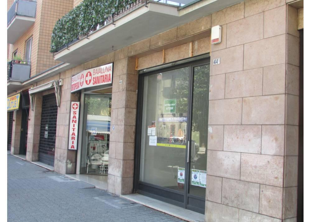 Affitto Negozio a Parma monolocale  di 100 mq