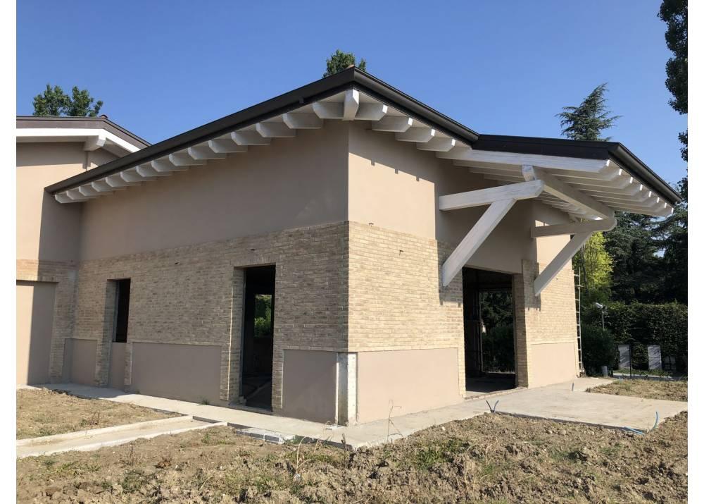 Vendita  a Parma quadrilocale La Palazzina di 200 mq