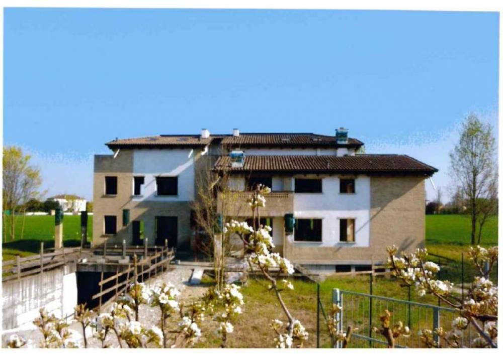 Vendita Casa Indipendente a Parma quadrilocale  di  mq