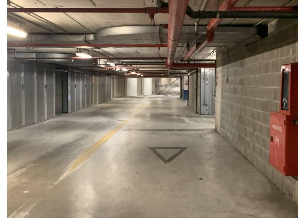 Vendita Garage a Parma monolocale  di  mq