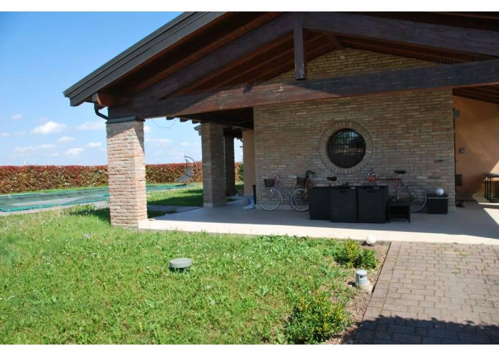 Vendita Villa a Parma monolocale  di 256 mq