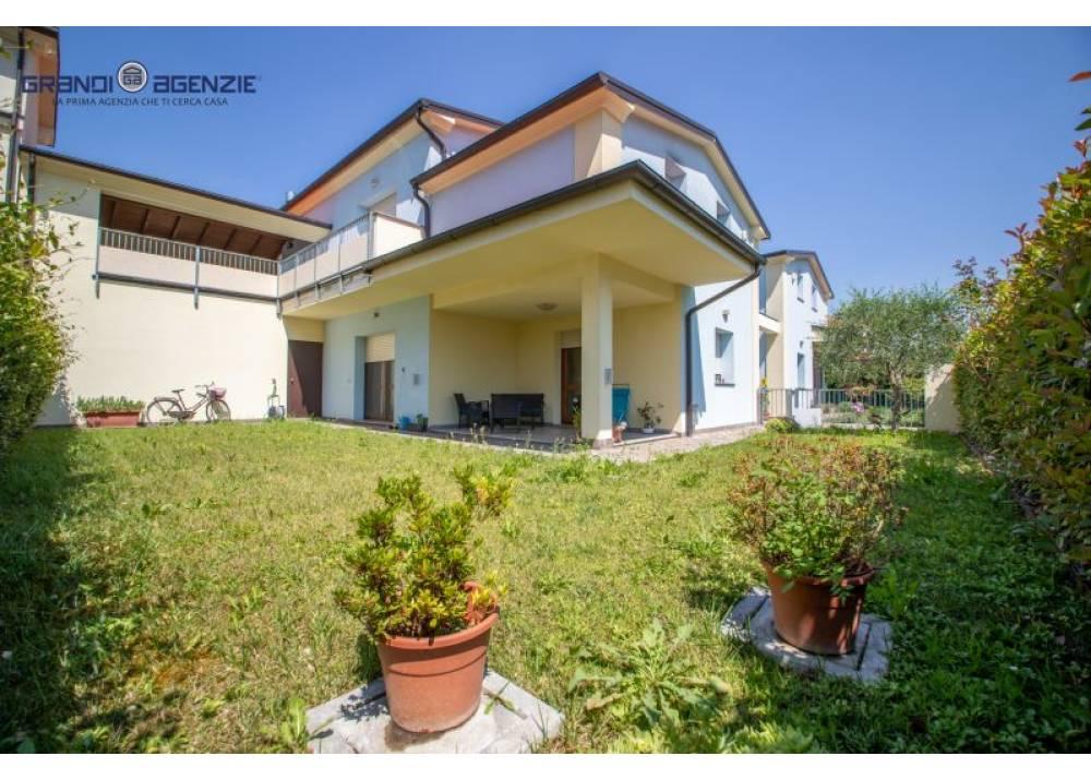 Vendita Villa a Parma  Paradigna di 200 mq