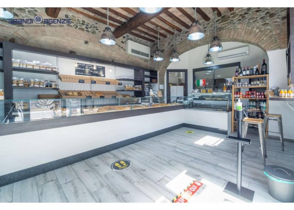 Vendita Negozio a Parma monolocale San Lazzaro di 185 mq