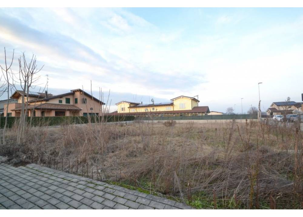 Vendita Terreno Edificabile a Montechiarugolo monolocale  di 860 mq