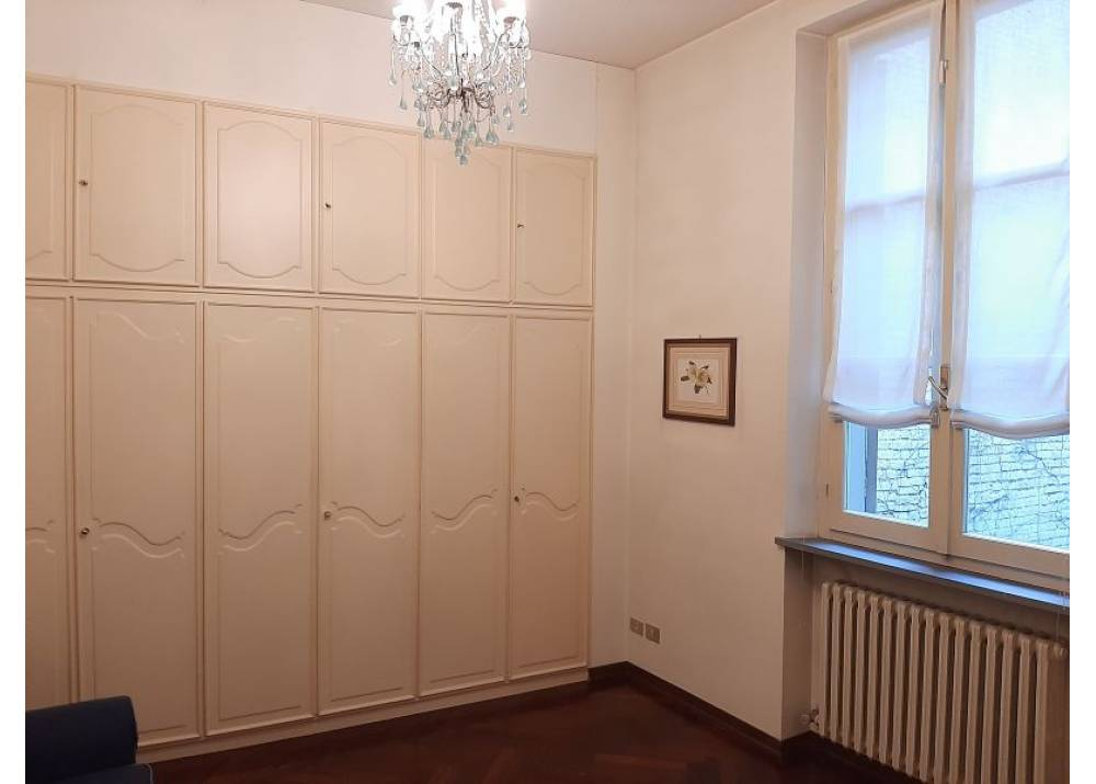 Affitto Appartamento a Parma quadrilocale Centro Storico di 200 mq